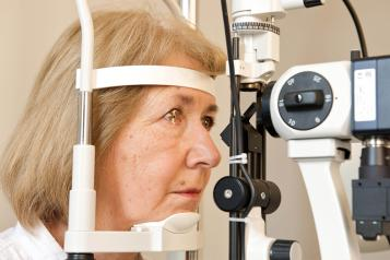 woman have eye health check